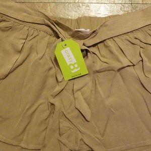 Crazy 8 Bottoms - Tulip Hem Shorts